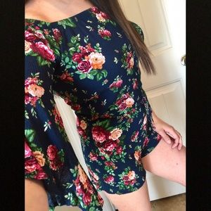 Ambiance navy floral flutter sleeve romper New S